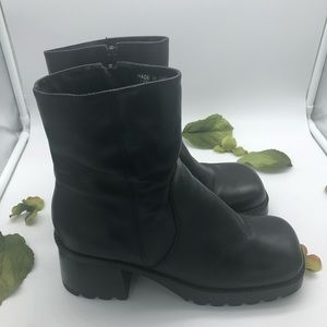 Two Lips Boots - Size 9